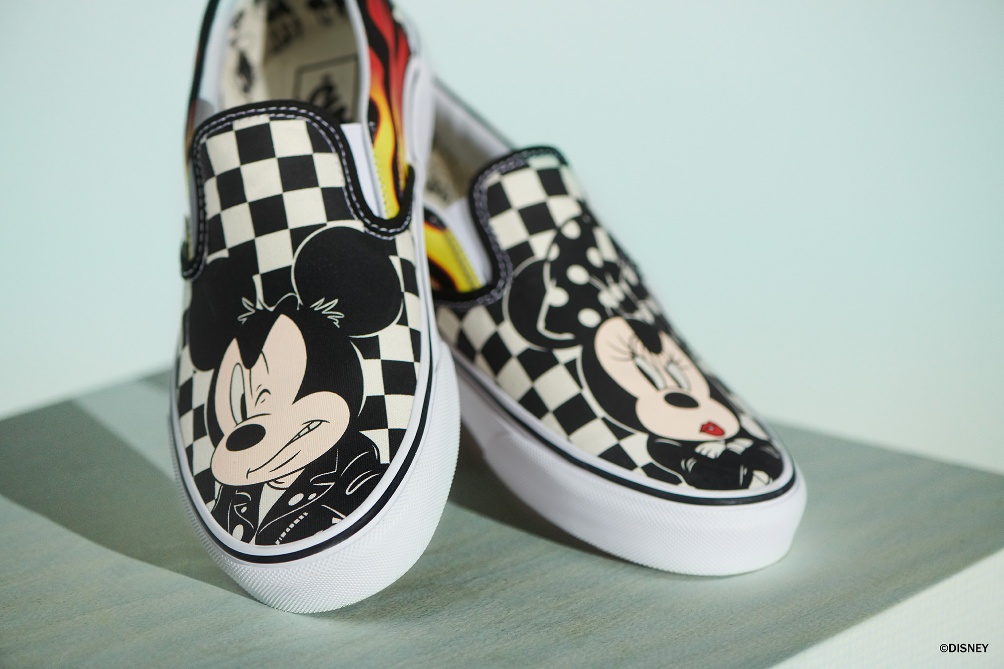 2vans mickey mouse mujer