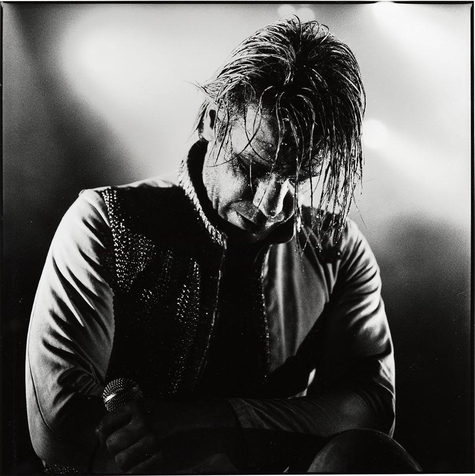Till Lindemann de Rammstein, tras una noche en cuidados intensivos, salió negativo a COVID 19 y se recupera