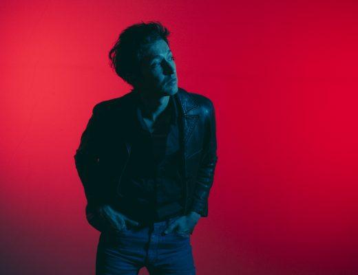 En los Tiempos de lo Extraño, el primer álbum solista de Javier Blake